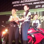 New Ninja 250R and Z800 2013 has arrived to Malaysia! 250R – RM22,589 & Z800 – RM47,989