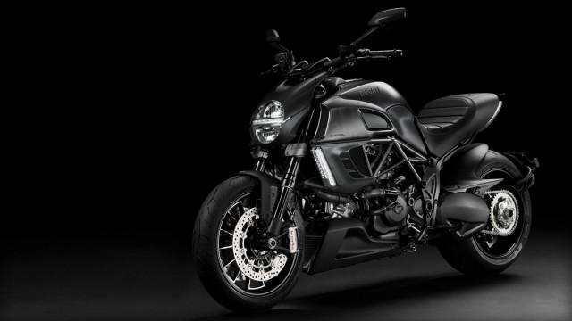 2013-Ducati-Diavel-001