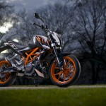 2014-KTM-Duke-390-Malaysia-006