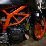 2014-KTM-Duke-390-Malaysia-040