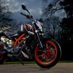 2014-KTM-Duke-390-Malaysia-050