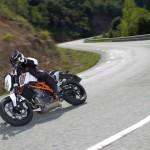2014-KTM-Duke-390-Malaysia-055