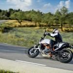 2014-KTM-Duke-390-Malaysia-060