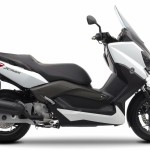 2014 Yamaha X-Max 125, 250 and 400 in Europe – the smaller brother of T-Max – starts from £3,999 (RM21,734.90)
