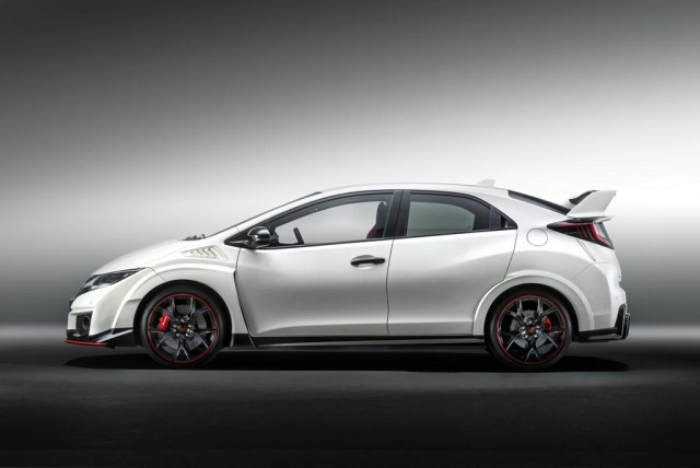 2015-Honda-Civic-Type-R-004
