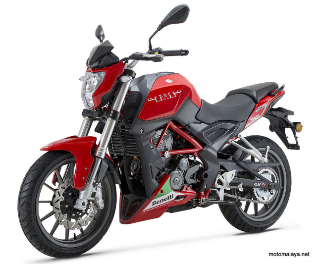 2016-Benelli-TnT_25_RED_01-001