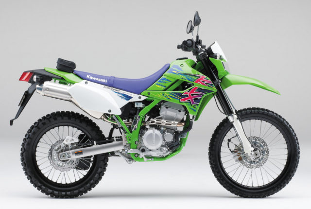 2016-Kawasaki-KLX250-Final-Edition001-001