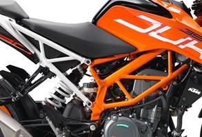 ktm-390-duke-my2017_engine